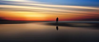 Ser-feliz-é-reconhecer-que-vale-a-pena-viver-apesar-de-todos-os-desafios-incompreensões-1